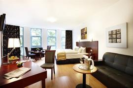 95384_004_Guestroom