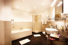 95384_005_Guestroom