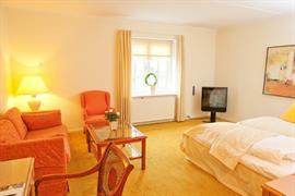 96012_004_Guestroom