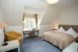 96012_005_Guestroom