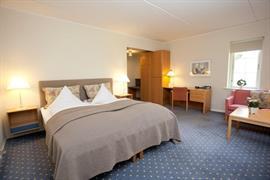 96012_007_Guestroom