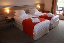 93700_001_Guestroom