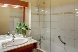93693_005_Guestroom