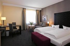 95372_006_Guestroom