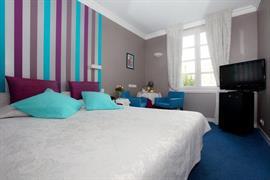93720_006_Guestroom
