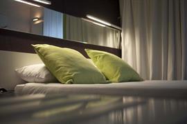 93729_005_Guestroom