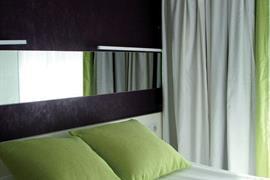 93729_006_Guestroom