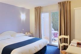 93642_001_Guestroom