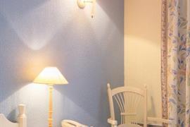 93642_003_Guestroom