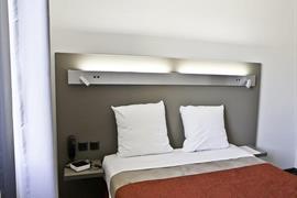 93730_003_Guestroom