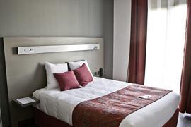 93730_004_Guestroom