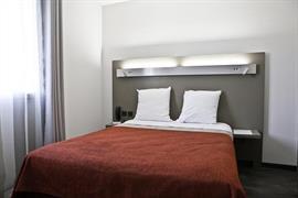 93730_006_Guestroom
