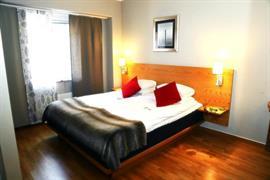 88175_002_Guestroom