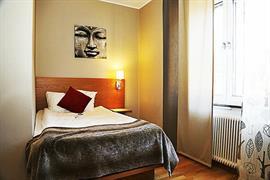 88175_003_Guestroom