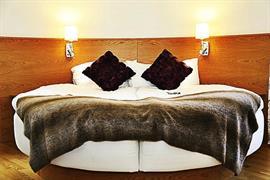 88175_004_Guestroom