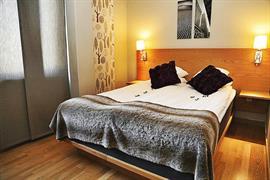 88175_005_Guestroom