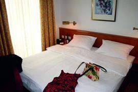 95381_004_Guestroom