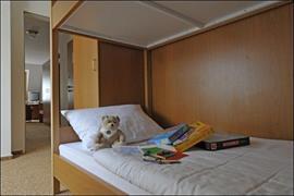 95381_005_Guestroom