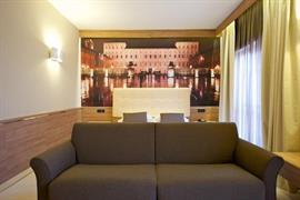 98159_006_Guestroom