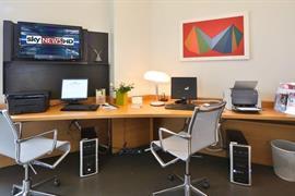 98144_004_Businesscenter