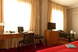 98144_005_Guestroom