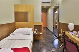 98144_007_Guestroom