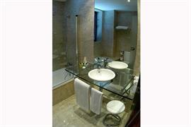 92210_007_Guestroom