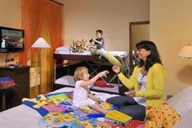 98125_006_Guestroom