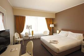 98196_003_Guestroom