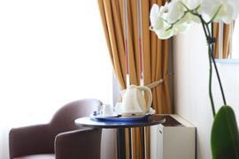 98196_004_Guestroom