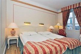 88166_005_Guestroom
