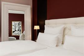 95310_005_Guestroom