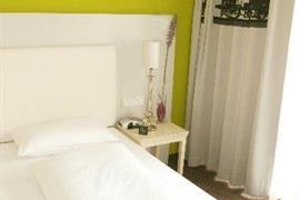 95310_006_Guestroom