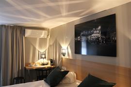 93818_000_Guestroom