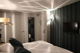 93818_004_Guestroom