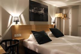 93818_005_Guestroom