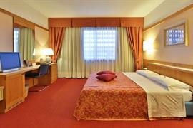 98268_003_Guestroom