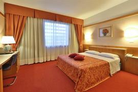 98268_005_Guestroom