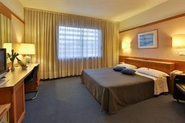 98268_007_Guestroom