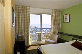93691_002_Guestroom