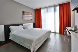 98286_007_Guestroom