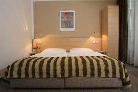 89613_005_Guestroom