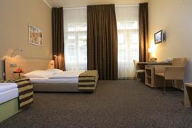 89613_006_Guestroom