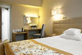 81033_003_Guestroom