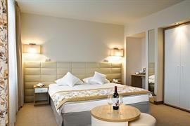 81033_006_Guestroom