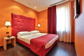 98343_006_Guestroom