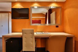 98343_007_Guestroom