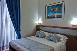 98247_005_Guestroom