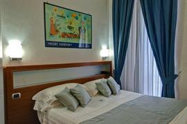 98247_006_Guestroom