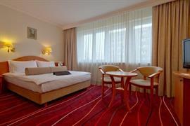 81016_007_Guestroom